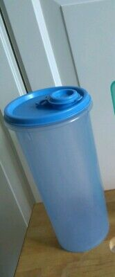 TUPPERWARE - Shaker/Kanne/Trinkbecher 700ml - blau