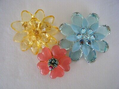 3 Beautiful Vintage Acrylic/Lucite Flower Brooches