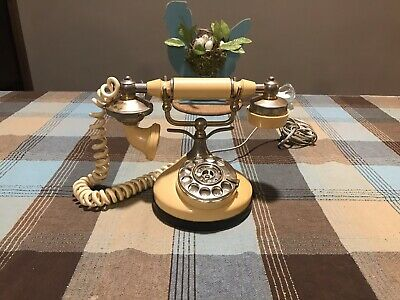 Vintage 1970's Beige French Style Rotary Dial Phone!