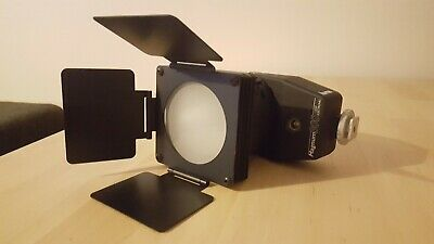 Hama Magnum 300 Zoom Electronic Light for Video/Photography - Retro/Vintage