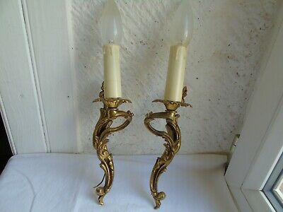 French a pair of gold bronze wall light sconce  vintage