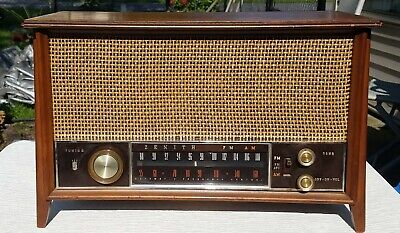 VINTAGE WORKING 1950's ZENITH K731 AM-FM TUBE RADIO VG CONDITION **MUST SEE**