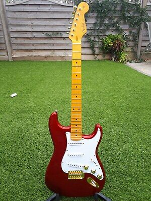 Fender Squire Stratocaster - Candy Apple Red with Gold Hardware - Stunning