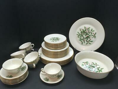 41 Piece ~ LENOX HOLIDAY SPECIAL China Dinner Set Holly & Berries Christmas