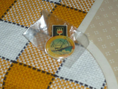 IGLO Fishing ship PROMO OOP rare Vintage Great condition  pin badge sealed!