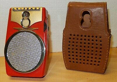 "Vintage REALTONE 8 Transistor ""Comet"" Radio (TR-1088) Red Classic Works Great !!"