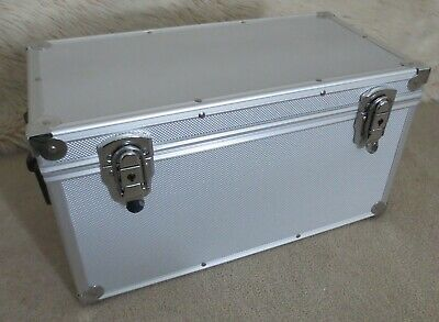 "Aluminium Record Carrying Flight Case for up to 100x 7"" Vinyl Singles with keys"