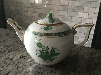 PERFECT HEREND Chinese Bouquet / Apponyi Green Tea Pot Green