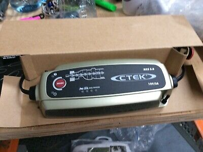 CTEK MXS 3.8 Battery Charger  Charges & Maintains Car S253