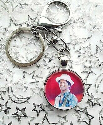 Bruno Mars Singer Photo Key Ring Lobster Claw & Swivel Chain With Gift Box
