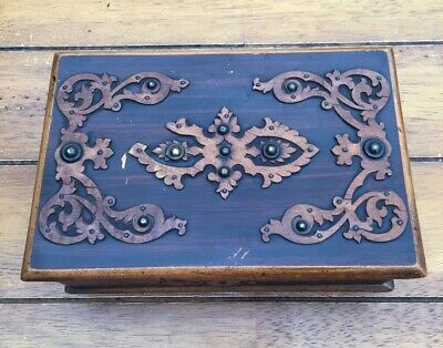 Lovely antique wooden box with Beautiful decoration hinged with Original Lock