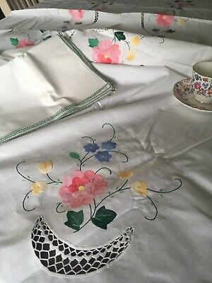 Vintage Floral Embroidered And Lace Cotton Tablecloth And 12 Napkins NIP 138x65