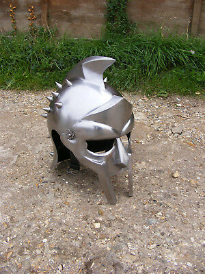 Adults Metal Gladiator Maximus Ridley Scott Movie Replica Medieval Roman Helmet