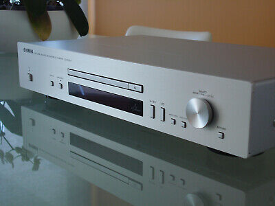 Yamaha CD-N301 Network CD Player CDN301 in SILVER. Perfect cond. - Virtually NEW