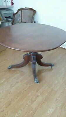 Antique Victorian Walnut Oval Loo Table