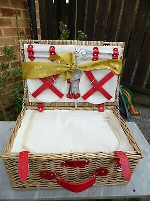 Regency Hamper Cotswold Company Four Place Willow Lidded Picnic Basket