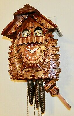 ****Beautiful Musical Bavarian W/Hummel Figurines Black Forest Cuckoo Clock****