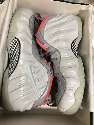 detailed look 5b666 f0ccd NIKE AIR YEEZY 2 Pure Platinum Wolf Grey Size 10 (adidas ...