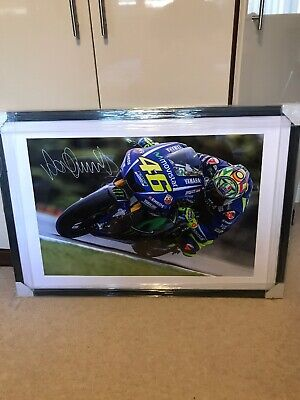 VALENTINO ROSSI HAND SIGNED Yamaha MOTOGP X LARGE *outstanding*