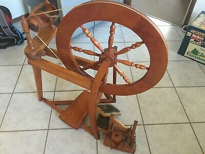 Traditional Ashford Spinning wheel, with accessories