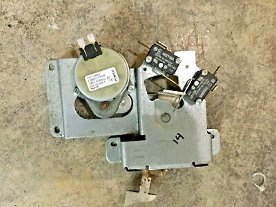 487674  TESTED Thermador RDSS30  Oven Door Lock latch 14-33-481-01 00487674