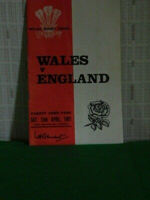 VINTAGE WELSH RUGBY PROGRAMMES - WALES -v- ENGLAND (Cardiff Arms Park, 1967)