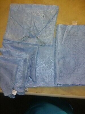 10 Piece Table Cloth Set. 4 Placemats & Napkins. Runner & Tablecloth.