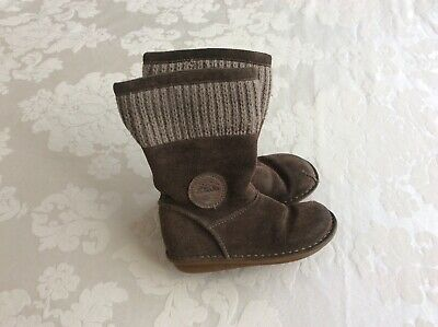 Clarks Brown 8.5 F Girls Boots Good used condition