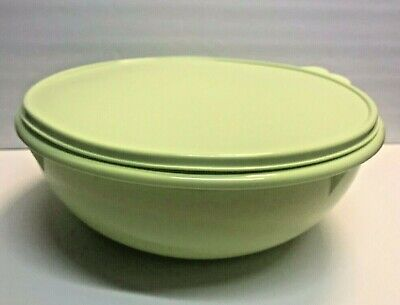 Tupperware Fix N Mix Mixing Bowl 26 Cup LIME w/ same color Seal