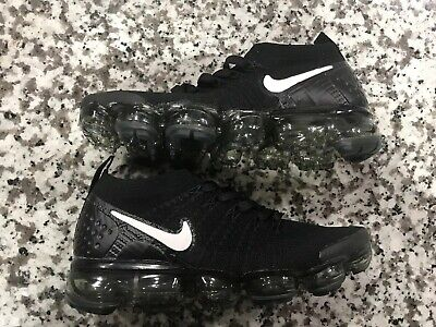 Nike Air Vapormax Flyknit 2  Size 8   942843-001 Mens