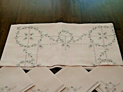 "VTG 34""x34"" TEA ROSE Tablecloth w/4Napkins Hand Embr. in Madeira Style PREOWN"