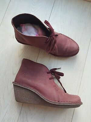 Clarks Ladies Beautiful Wedge Leather Ankle Boots in Wine/Plum Size UK 4/7 VGC!