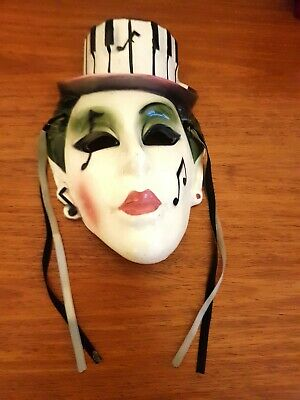 Art deco lady wall mask With Hat music note detail
