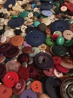 200 pc Lot Of Old Vintage & New Buttons -All Types & Sizes Hundreds Of Varieties