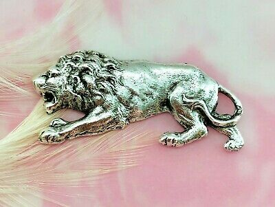 ANTIQUE SILVER Lion Stamping ~ Jewelry Findings (C-679)