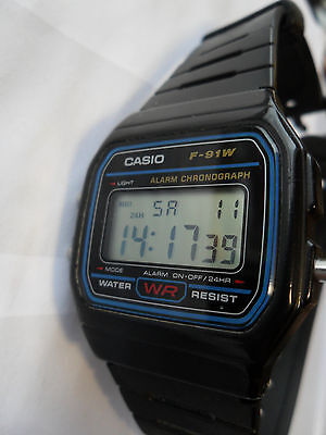 Casio F 91W Digital Watch Alarm Light Chronograph Stopwatch Wristwatch Water Res