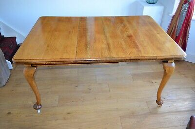 Beautiful Victorian Solid Oak Wind Out Extending Dining Table