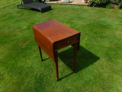 Small Oak Drop Leaf Pembroke Table With Draw