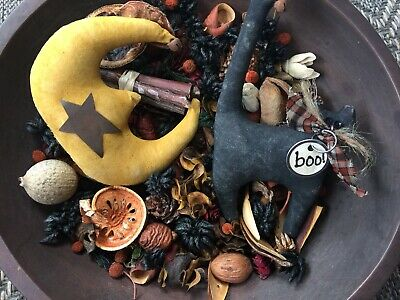 Primitive Prim Bowl Fillers Stitchery Pillows Tucks Ornies Halloween Fall Cat