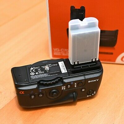 Original Genuine Sony VG-C70AM Battery Grip Sony Alpha A700 - Very Nice  BARGAIN