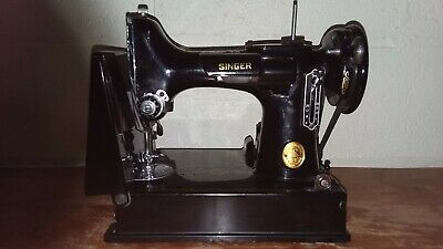 SINGER 221-1 Featherweight - Sewing Machine SIMANCO - w/ Pedal, Case - AH820226