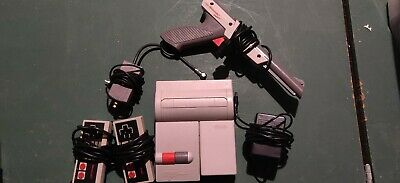 NES Toploader Top Loader Nintendo Console with controllers and light gun