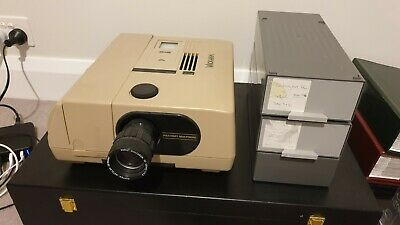 Braun Paximat 35mm Slide Projector with remote and 3x2 sets of cartridges