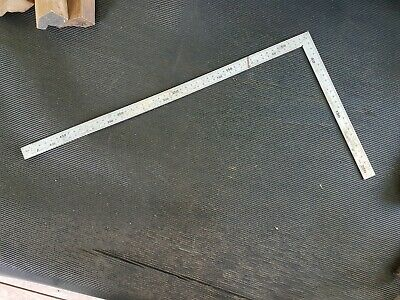 Japanese Carpenters Square in very good condition in metric