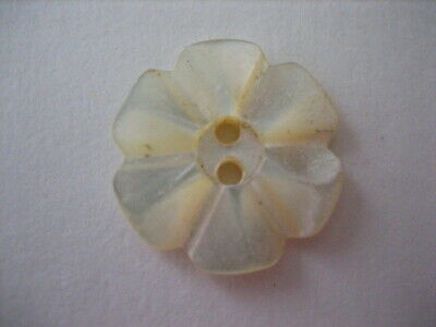 "Vintage Small 3/4"" Carved MOP Mother Of Pearl Shell Button - PD74"