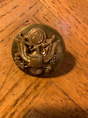 Vintage WW2 original US Army Gold Eagle Screwback Military Brass Hat Badge Pin