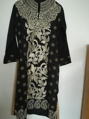 Younger Girls Black Fully Gold Embroidered 3 Piece Linen outfit Size 7-8 Yrs