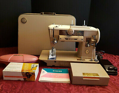 Vintage Singer 401A Sewing Machine w/Buttonholer, Accessories and Carrying Case
