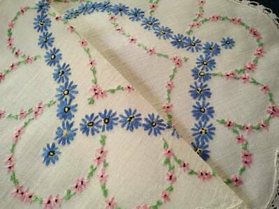 Gorgeous Daisy Chains   Vintage Hand Embroidered Centrepiece