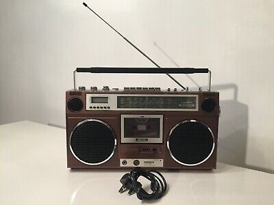 Vintage 1980s Retro Roberts RSR 100 Radio Cassette with Aux In